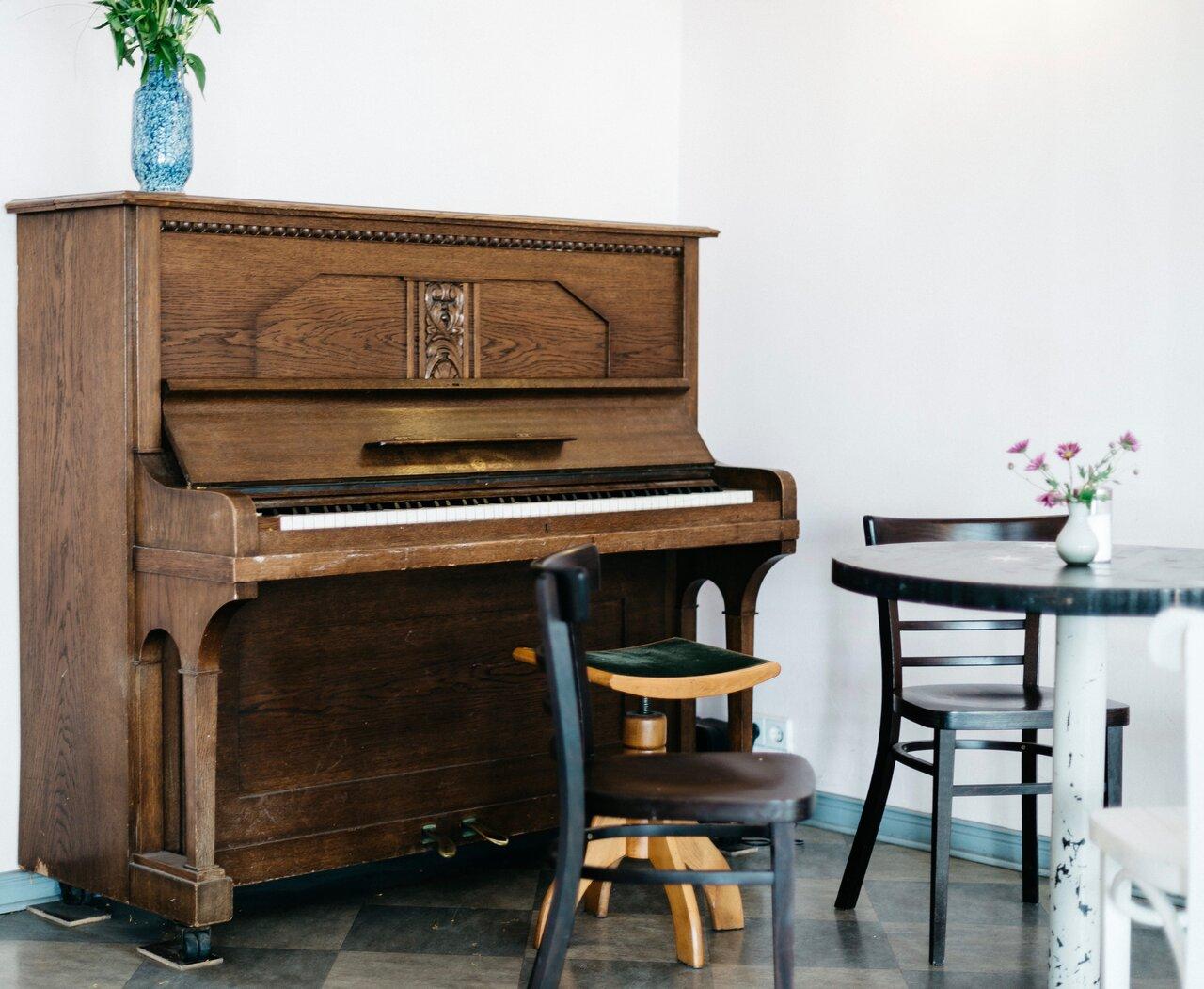 Piano movers in California